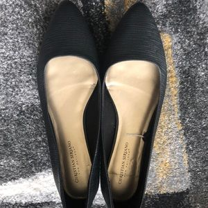 Black Flat w/ pointy toe